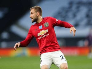Tin bóng đá tối 22/3 : Shaw chuẩn bị gia hạn với United