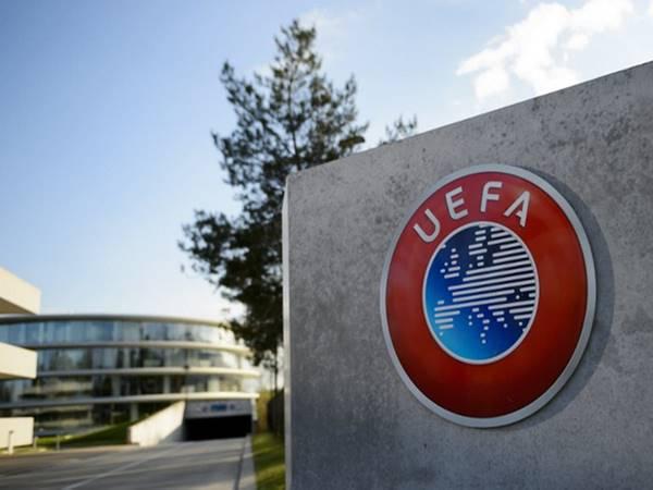 Tin bóng đá trưa 21/10: UEFA có thể sẽ phải thay đổi luật Bosman